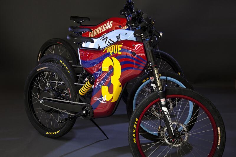 Las bicicletas de Lionel Messi y Gerárd Piqué tienen alma de moto 5.jpg