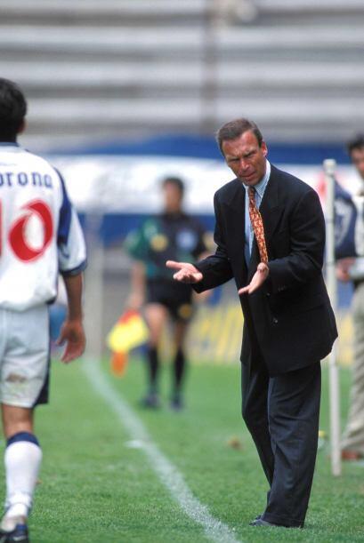 Pachuca en 1997 fue el primero en torneos cortos que cambió al técnico a...