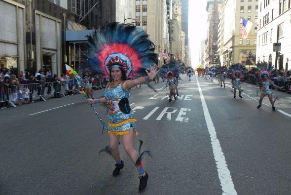 imágenes en el desfile de la Hispanidad 2e5cd66a87b7426098c29ee947723feb...