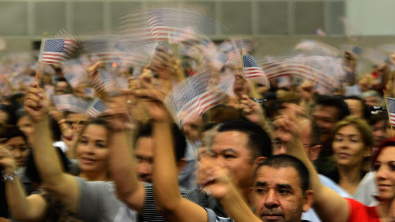 En el año fiscal 2014 fueron juramentados 654,949 nuevos ciudadanos esta...