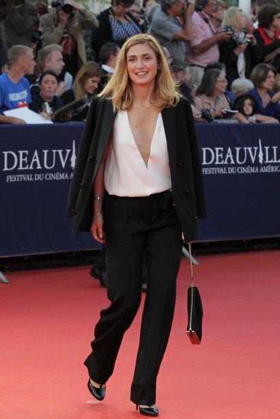 La actriz francesa Julie Gayet logró entrar dentro de los primeros tres...