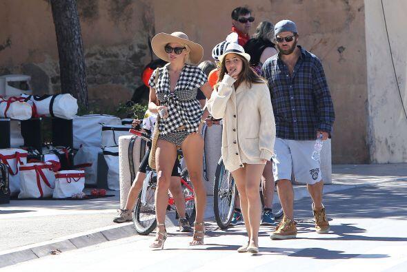 Pamela y Rick de paseo por Saint Tropez. Más videos de Chismes aquí.