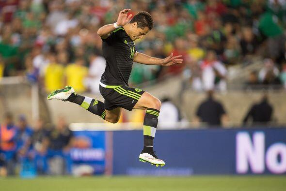 Minutos más tarde el jugador del Real Madrid realizaría un...