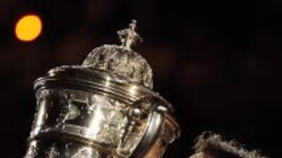 Federer domina por 12 a 6 a su adversario serbio en sus confrontaciones...