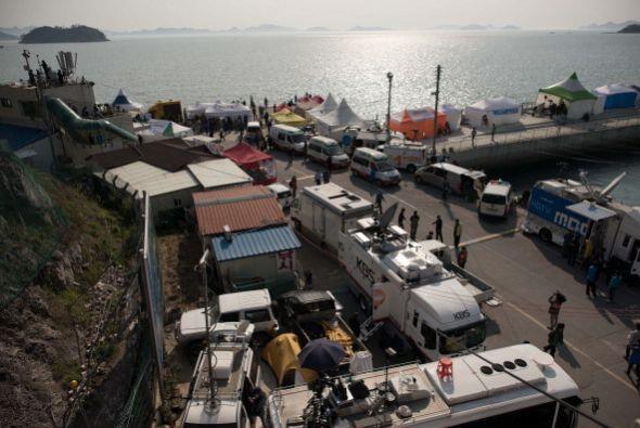 La tragedia también ha llevado a la isla a cientos de periodistas.