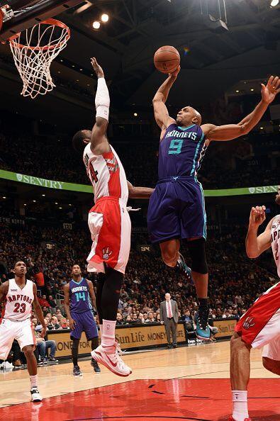8 de Enero - Hornets (14-24) ganan 103 - 96 a Raptors (24-11). Gerald He...