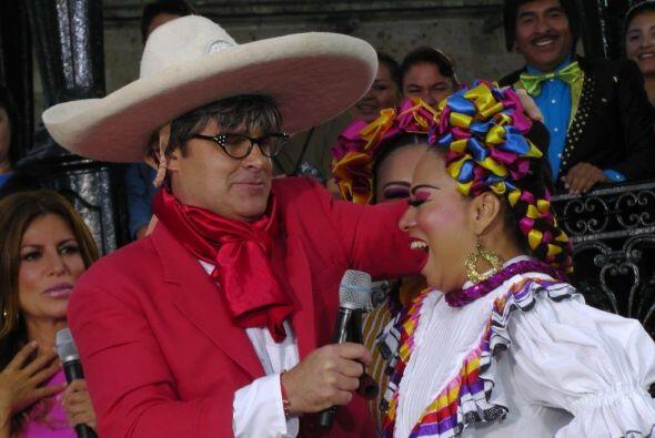 En México las mujeres también se vuelven locas por el profesor... ¿Charro?