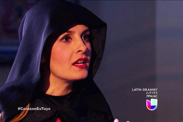 ¡Ayyy! Pero si es Isabela, tu debes conocer su maldad Ana.