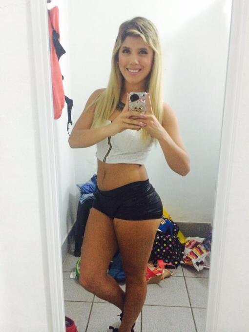 La cantante peruana y novia del futbolista Jefferson Farfán, Yahaira, fu...