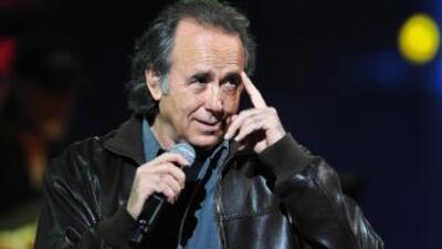 El cantautor español guarda reposo por orden médica, y retomará sus show...