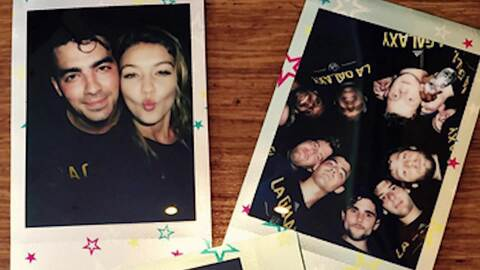 Gigi Hadid celebra con Joe Jonas