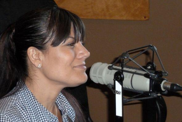 La guapa Diana Reyes estuvo de visita en la cabina de La Socia y nos pla...