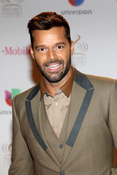 Algunos hombres les sienta muy bien dejarse la barba, Ricky Martin es un...