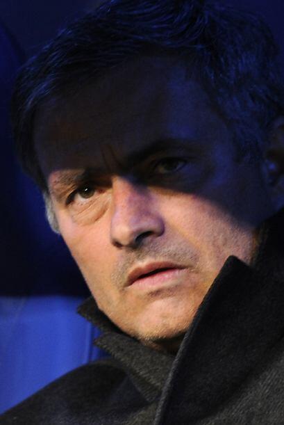 José Mourinho se tranquilizaría con un espejito mágico para que le diga...