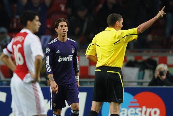 Ramos, lateral derecho, hizo tiempo de manera absurda y se fue expulsado...