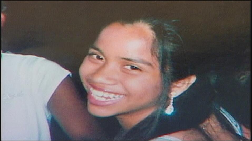 Según relatos de su madre Marlene Vega, poco después del arribo de Ronal...