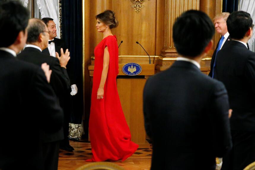 Asesora de Trump en esmoquin y famoso cantante coreano le roban la atenc...
