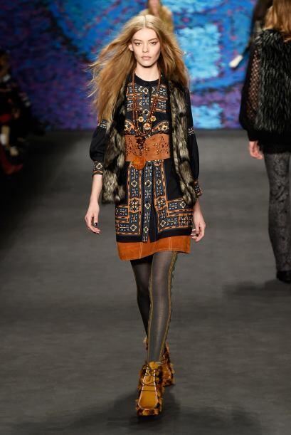 La diseñadora Anna Sui presentó una colección m&aac...