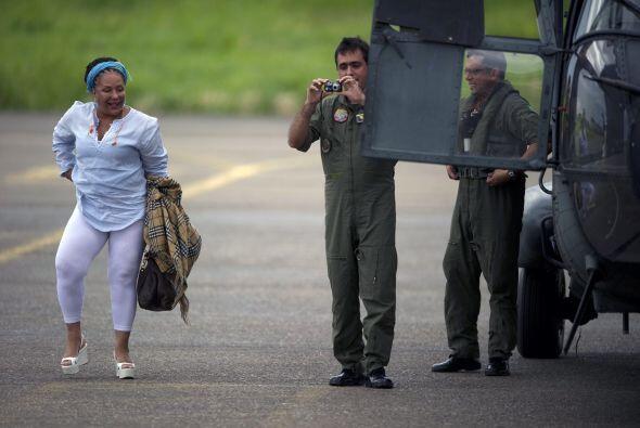 Piedad Córdoba, ex senadora de Colombia, emprendió el viaje en búsqueda...