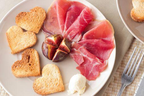 Con ese mismo pan tostado en forma de corazón puedes hacer otra receta m...