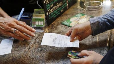 Las bondades del aumento de ingresos para la comunidad latina
