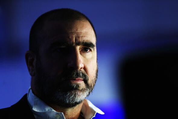 Eric Cantona incluso ha incursionado en el cine y su futbol duro también...