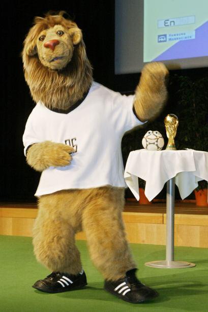 Cuatro años antes vimos a Goleo VI, un león que animó fuera de las canch...