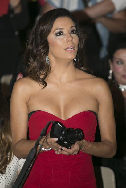 Eva Longoria, muy bella durante la fiesta.