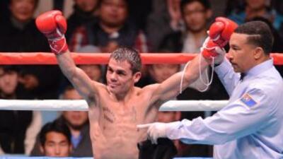 Juan Carlos Reveco se repuso de un knockdown para ganar la pelea.