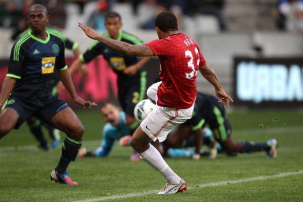 El conjunto local comenzó ganando. El gol del empate lo anotó el portugu...