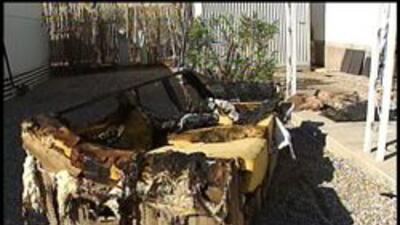 Mueble dañado en el fuego de la casa movil