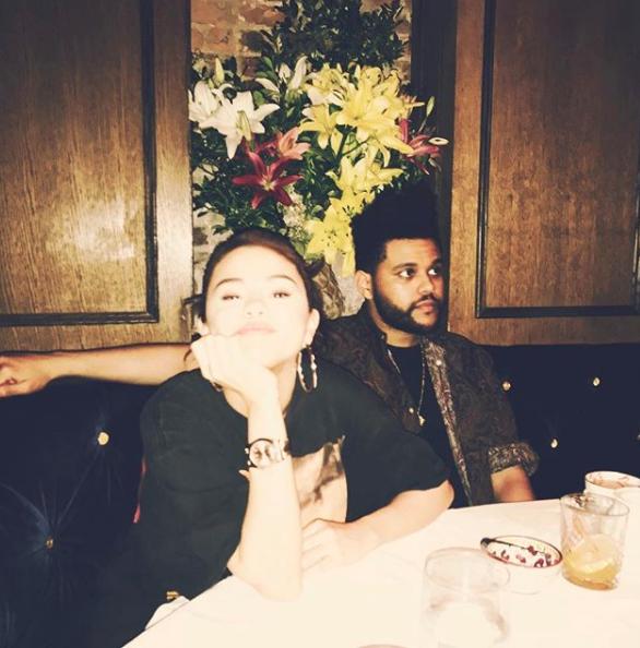Esto, luego de que The Weeknd todavía de gira hubiera dejado de seguir e...