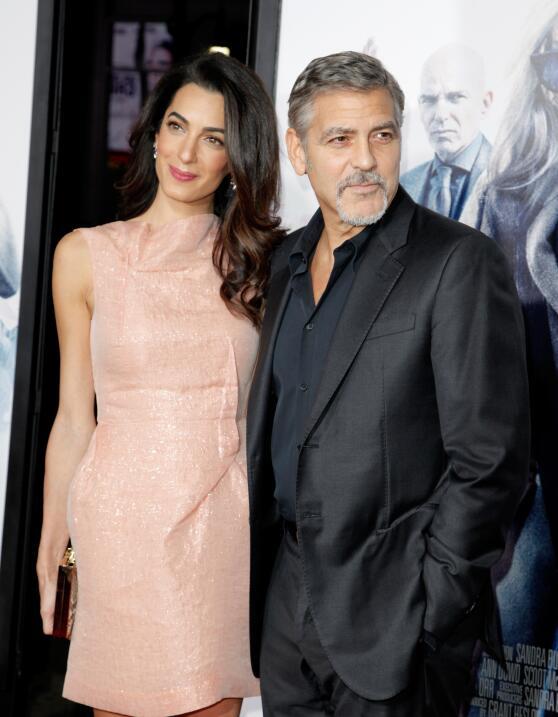George y Amal Clooney en el estreno de 'Our Brand Is Crisis'