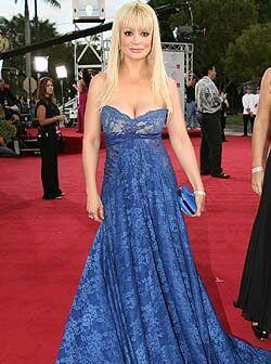 Aunque el vestido de Marisol no fue el adecuado para la alfombra, sin du...