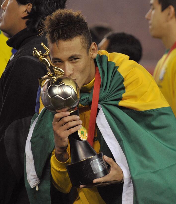 Las 20 estrellas del deporte que brillaron antes de sus 20 años Neymar.jpg