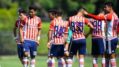 Chivas vive una situación similar a la de Barcelona y Real Madrid.