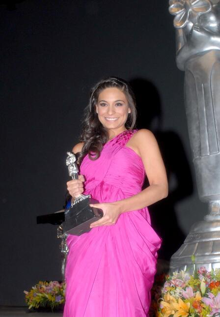 Actriz, cantante y modelo, así es Ana Brenda Contreras
