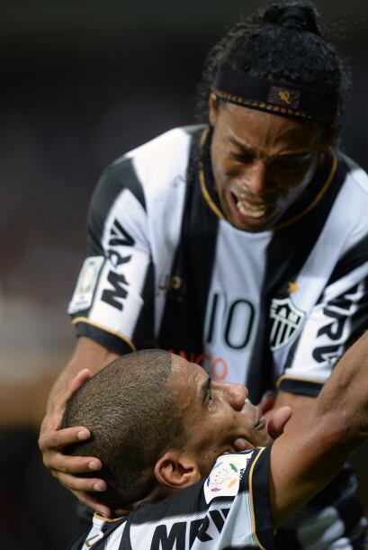 Ronaldinho confesó que pensaba dejar el futbol en el 2012 por el cáncer...