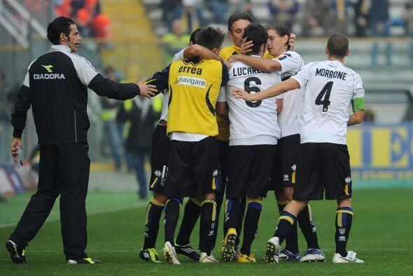 Lucarelli tiene mas de 100 juegos con la casaca del Parma.