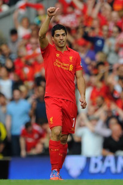 El uruguayo Luis Suárez marcó el 2-1 que momentánea...