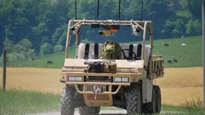 La Marina de EEUU está experimentando con autos que se pueden manejar so...