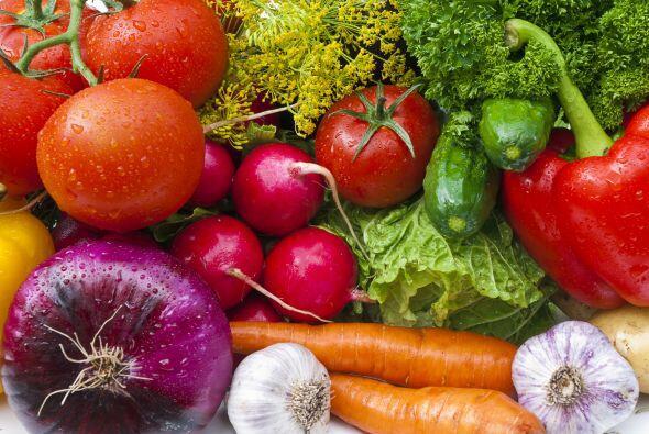 El AF se adquiere a través de la ingesta de alimentos y es necesario obt...