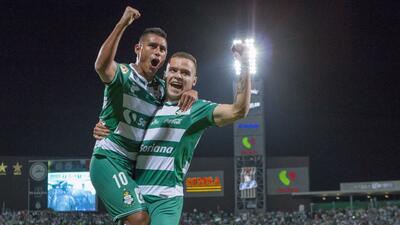 En fotos: El campeón Santos golea al Atlas y le arrebata el liderato a Cruz Azul