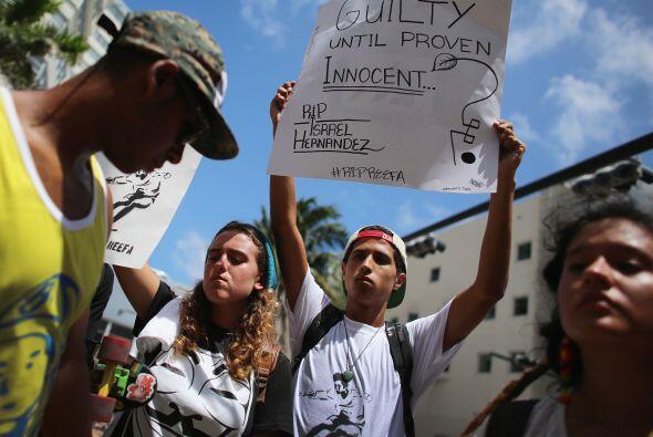 La familia del muchacho fallecido por el disparo con Taser acusó a la Po...