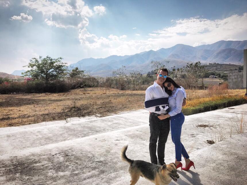 Mark Tacher y su novia gritan su amor a los 4 vientos