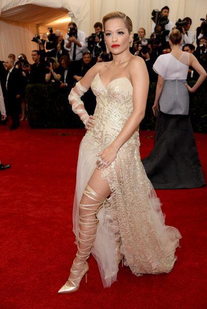 Creemos que Rita Ora pensó que iba a un burlesque, de otra forma, no ent...