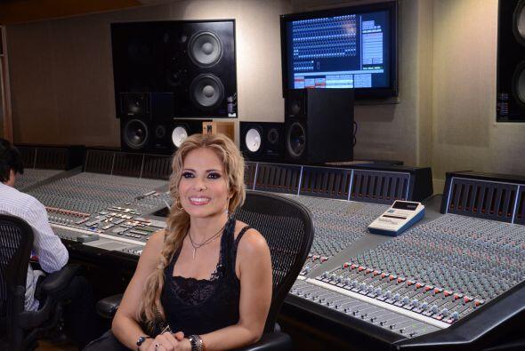 Univision.com estuvo con Gloria Trevi durante la grabación de la canción...
