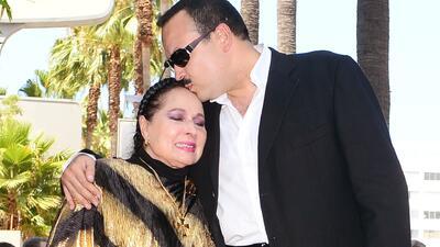 Merecido homenaje a Doña Flor Silvestre por 70 años de carrera