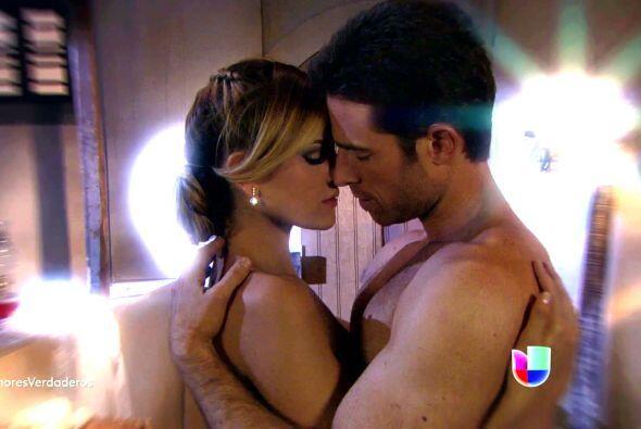 Y aquí tenemos a otros dos que derritieron con sus besos, Sebastián Rull...
