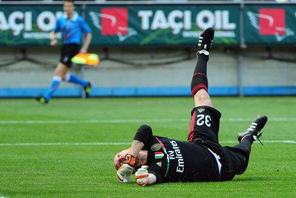 Era el minuto 26 y los 'rossoneri' ya caían en el marcador.